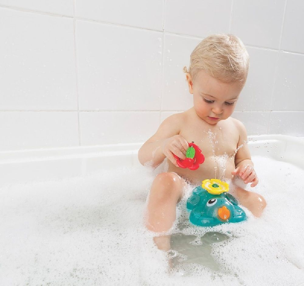 Playgro Light Up Squirty Bath Fountain image 7