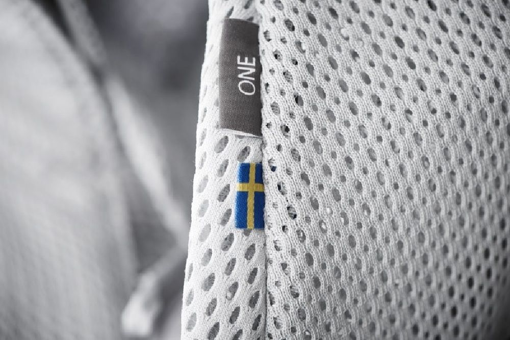 BabyBjorn Baby Carrier One Air Silver Mesh image 3