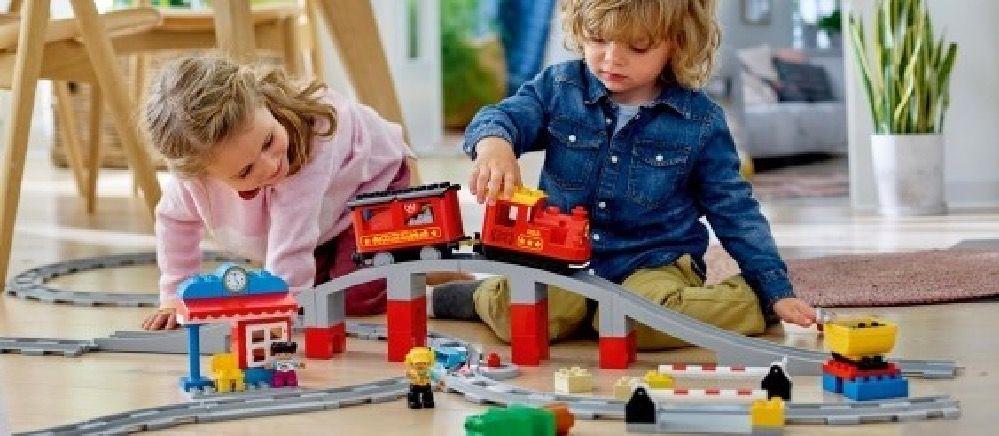 LEGO® DUPLO® Steam Train image 10