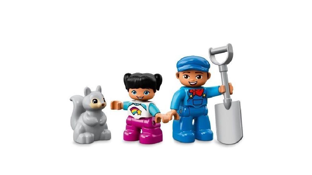 LEGO® DUPLO® Steam Train image 5
