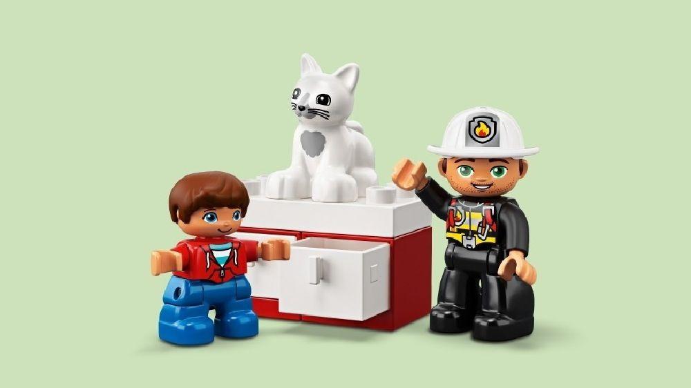 LEGO® DUPLO® Fire Truck Light & Sound image 6